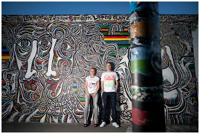 Paarfotos an der East Side Gallery Berlin © Berliner Fotostudio LUMENTIS