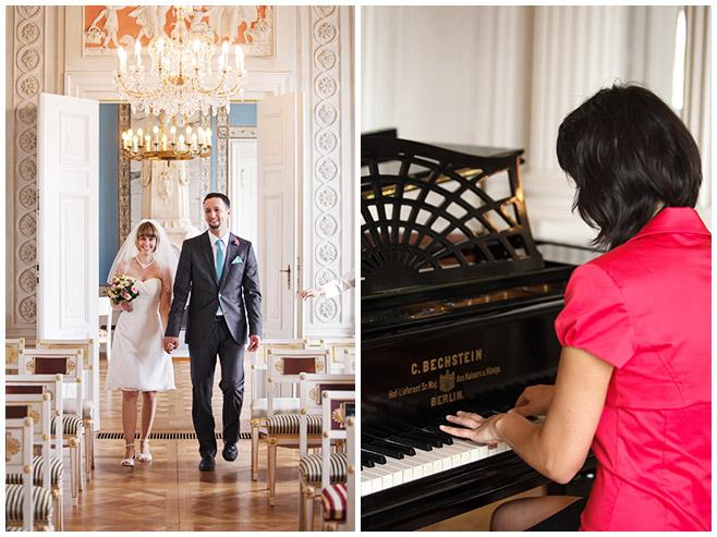 Einzug Brautpaar bei standesamtlicher Trauung Schloss Friedrichsfelde Berlin © Hochzeitsfotograf Berlin hochzeitslicht