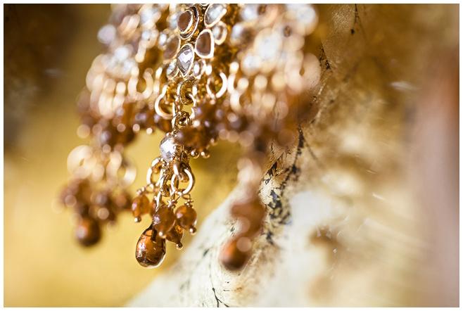Brautschmuck für indische Hochzeitszeremonie © Hochzeitsfotograf Berlin hochzeitslicht