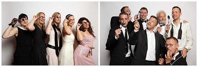 Gruppenfotos im Photobooth mit Löffel als Accessoire © Hochzeitsfotograf Berlin hochzeitslicht