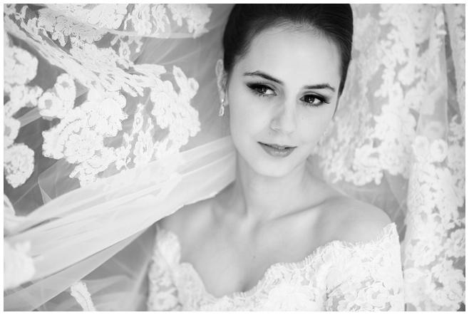 Foto der Braut bei Vintage-Hochzeit in Berlin © Hochzeitsfotograf Berlin hochzeitslicht
