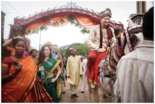 Bräutigam in Indien bei indischer Hochzeitszeremonie © Hochzeitsfotograf Berlin hochzeitslicht