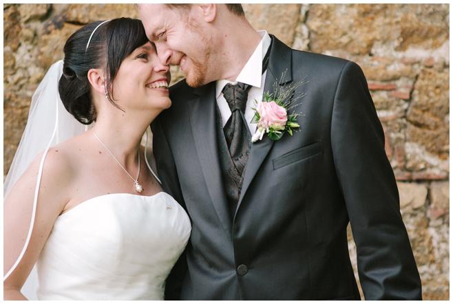 Hochzeitsfotografie des Brautpaares bei Hochzeit auf dem Rittergut Dorstadt in der Nähe von Braunschweig © Hochzeitsfotograf Berlin hochzeitslicht