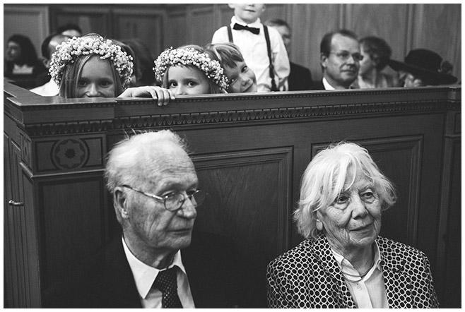 Hochzeitsreportagefoto von Trauung in Heilandskirche Sacrow © Hochzeitsfotograf Berlin hochzeitslicht