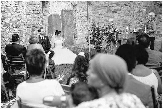 Hochzeitsfoto von freier Trauung auf dem Rittergut Dorstadt © Hochzeitsfotograf Berlin hochzeitslicht