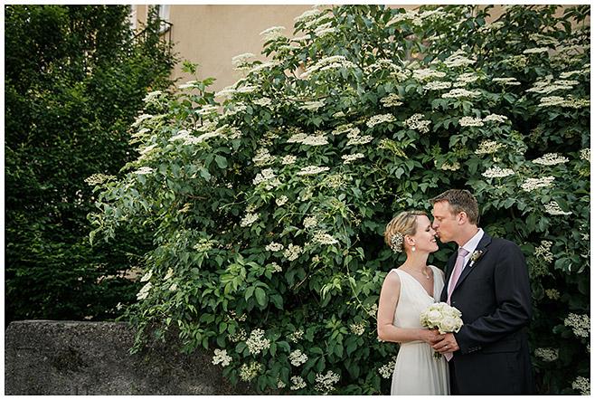 Hochzeitsfoto von Brautpaar aufgenommen von professionellem Hochzeitsfotografen in Berlin © Hochzeitsfotograf Berlin hochzeitslicht