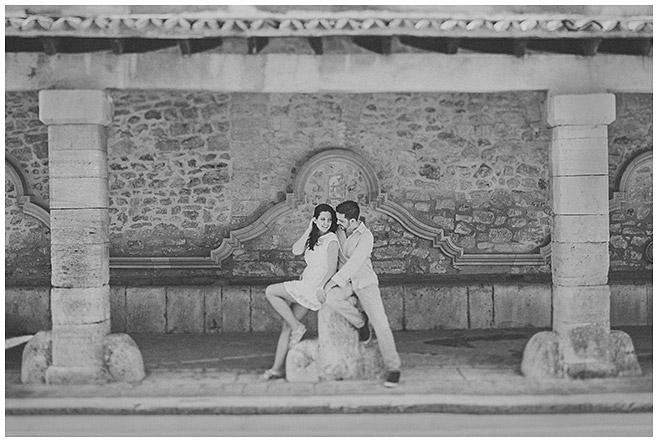 Paar bei Partnershooting auf Mallorca aufgenommen von Berliner Fotografinnen © LUMENTIS Fotostudio Berlin