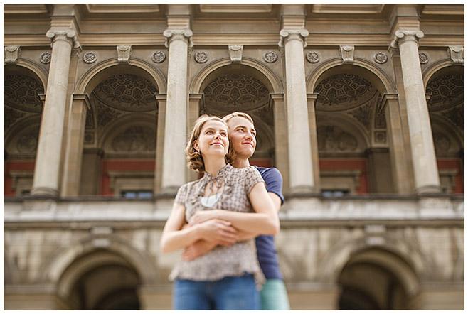 Verlobungsfotos im Schlosspark München festgehalten von Fotografin Berlin © Berliner Fotostudio LUMENTIS