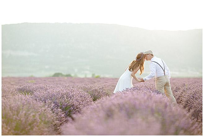 lumentis-Paarfoto im Lavendelfeld in der Provence © Fotostudio Berlin LUMENTIS