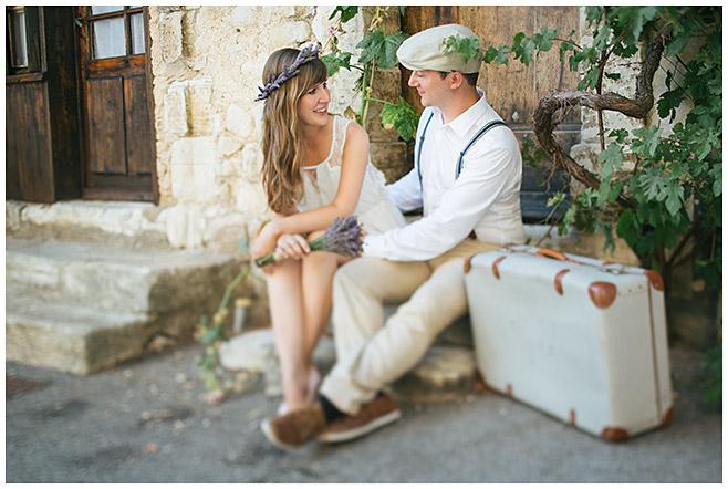 Paar bei Paarfotoshooting im Vintage-Look in der Provence © Fotostudio Berlin LUMENTIS