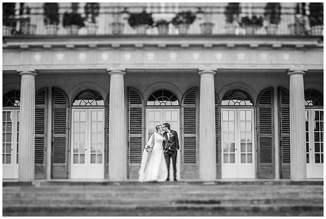 Brautpaarfoto bei Schlosshochzeit © Hochzeitsfotograf Berlin hochzeitslicht