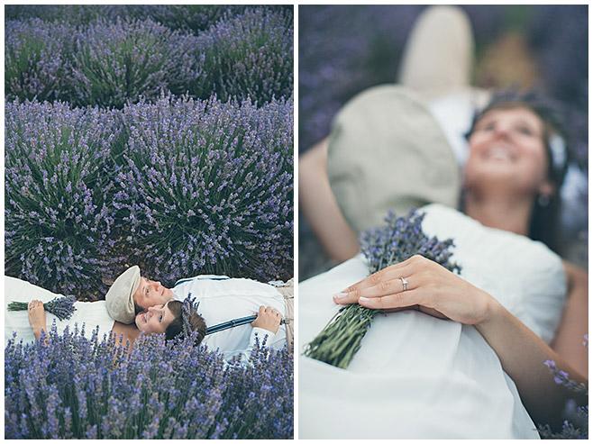 Professionelles Shooting mit Paar in Lavendelfeld aufgenommen von Berliner Profi-Fotografin © Fotostudio Berlin LUMENTIS