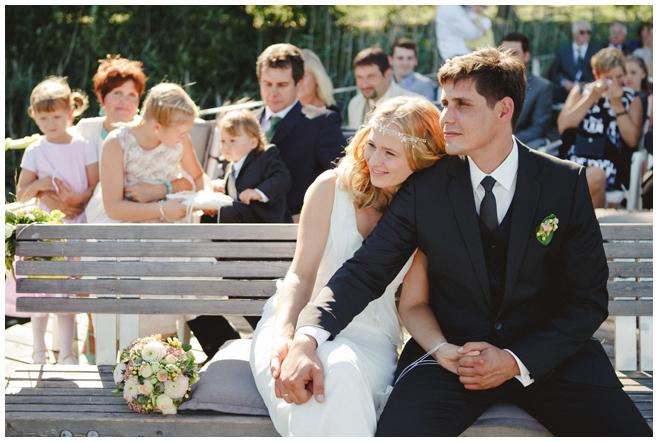 Hochzeitsreportage-Foto während freier Trauung aufgenommen von professioneller Hochzeitsfotografin Berlin © Hochzeitsfotograf Berlin hochzeitslicht