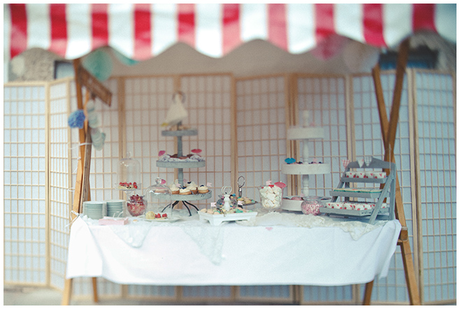 selbstgestaltete Candybar bei vintage DIY-Hochzeit auf Schloss Marquardt © Hochzeitsfotograf Berlin hochzeitslicht