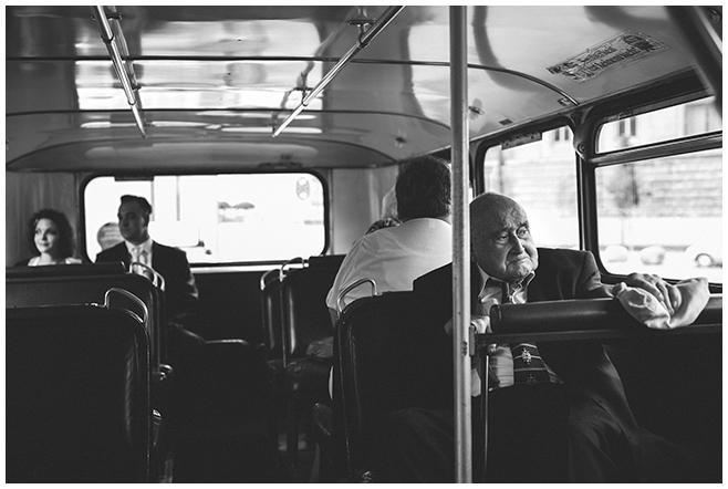 Hochzeitsreportage aufgenommen in Hochzeitsbus Berlin © Hochzeitsfotograf Berlin www.hochzeitslicht.de