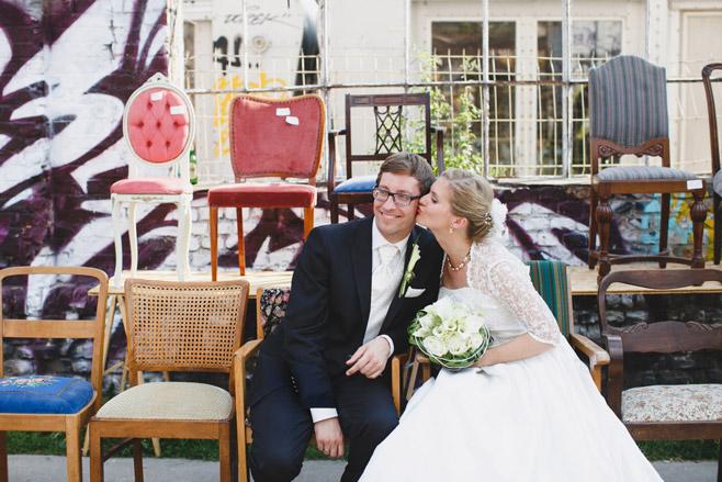 Hochzeitsfoto bei Hochzeit im Spreespeicher Berlin aufgenommen auf RAW-Gelände in Berlin Friedrichshain von professioneller Hochzeitsfotografin Berlin © Hochzeitsfotograf Berlin www.hochzeitslicht.de