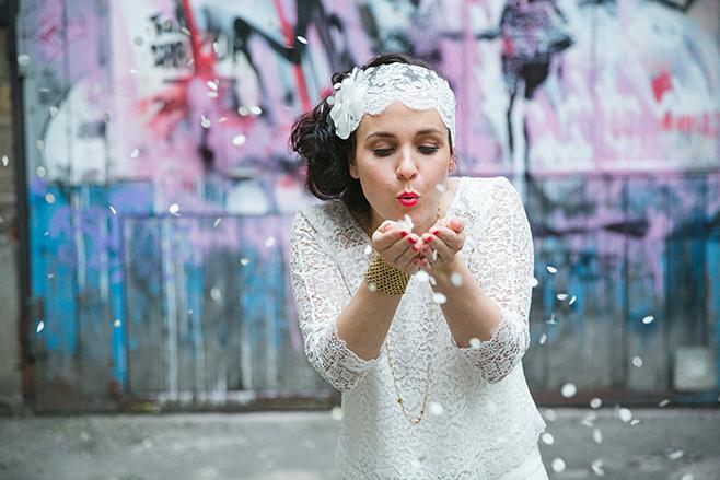 Hochzeitsportrait der Braut aufgenommen von professioneller Hochzeitsfotografin bei Hochzeit im Boho-Style in der Fabrik 23 Berlin © Hochzeitsfotograf Berlin www.hochzeitslicht.de