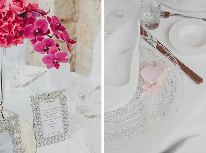 Tischdekoration in silber und pink im eleganten Vintagestil bei Hochzeit im Belvedere auf dem Pfingstberg © Hochzeitsfotograf Berlin www.hochzeitslicht.de