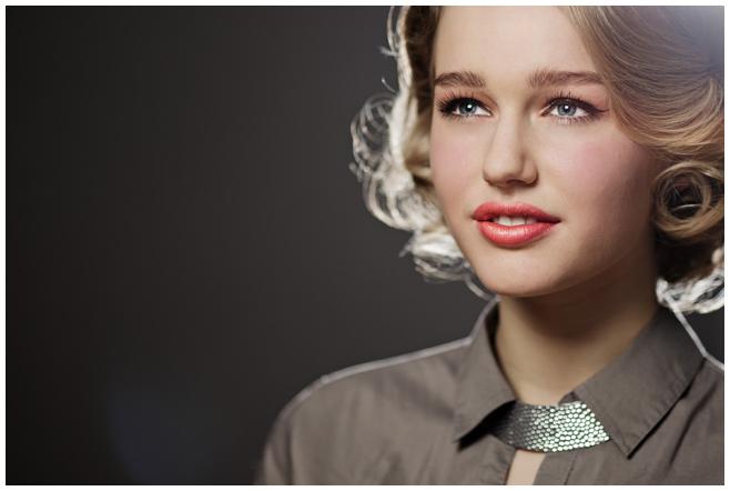 professionelles Portraitfoto einer jungen Frau © Berliner Fotostudio LUMENTIS