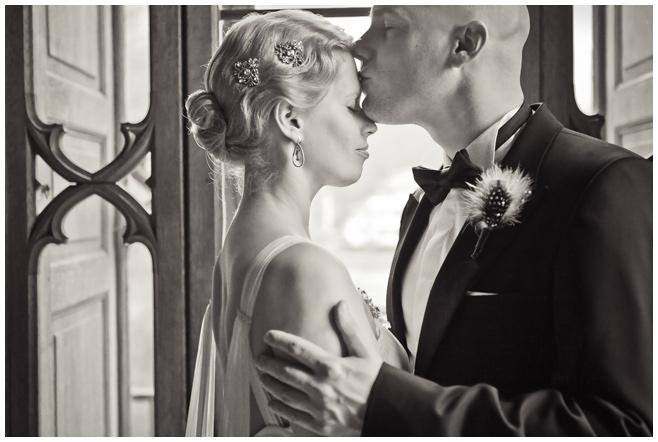 Nahaufnahme Braut und Bräutigam im Vintage Stil © Hochzeitsfotograf Berlin hochzeitslicht