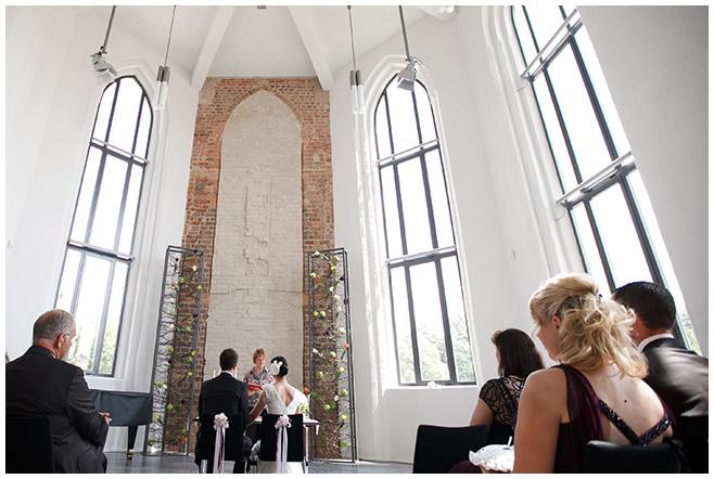 Trauung in Georgenkapelle in Luckau nicht weit von Schloss Lübbenau Spreewald © Hochzeitsfotograf Berlin hochzeitslicht