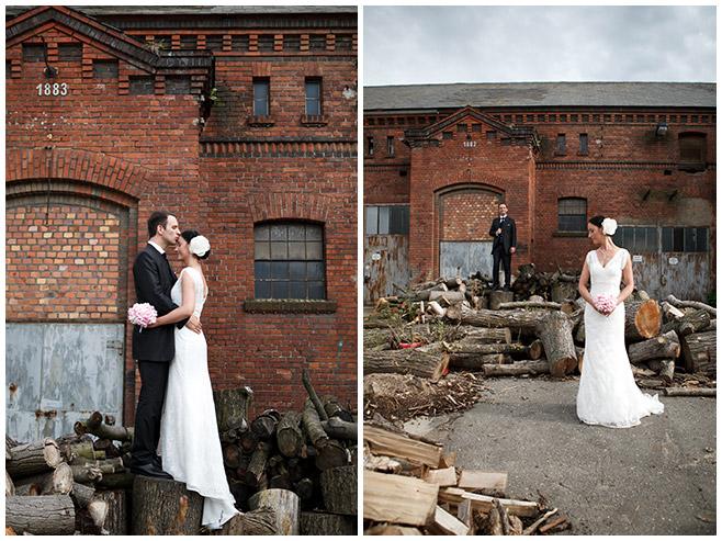 kreative Hochzeitsfotos von Braut und Bräutigam in Nähe des Schloss Lübbenau Spreewald © Hochzeitsfotograf Berlin hochzeitslicht