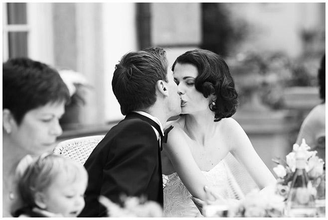 Hochzeitsreportage-Foto Brautpaar Hochzeit Schlosshotel Grunewald © Hochzeitsfotograf Berlin hochzeitslicht