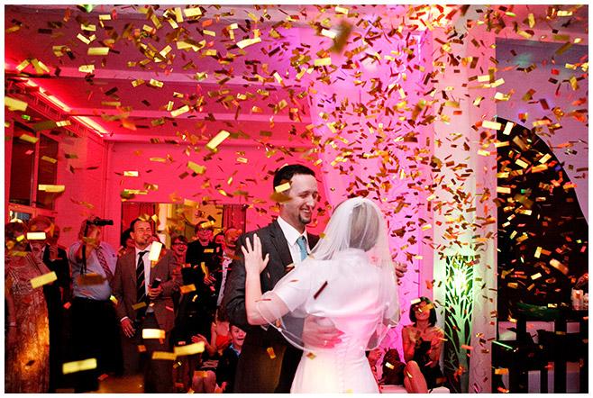 Hochzeitstanz White Spreelounge Berlin © Hochzeitsfotograf Berlin hochzeitslicht