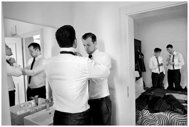 Hochzeitsfoto vom Getting Ready auf Schloss Kartzow © Hochzeitsfotograf Berlin hochzeitslicht