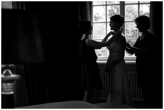 Hochzeitsfoto der Braut auf Schloss Kartzow © Hochzeitsfotograf Berlin hochzeitslicht