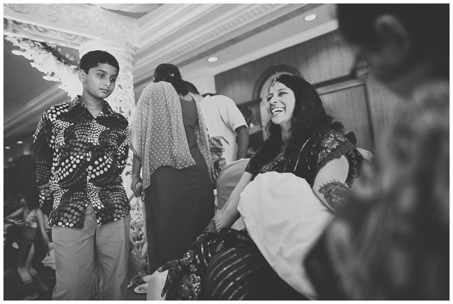 Hochzeitsvorbereitungen der Braut in Hyderabad, Indien © Hochzeitsfotograf Berlin hochzeitslicht
