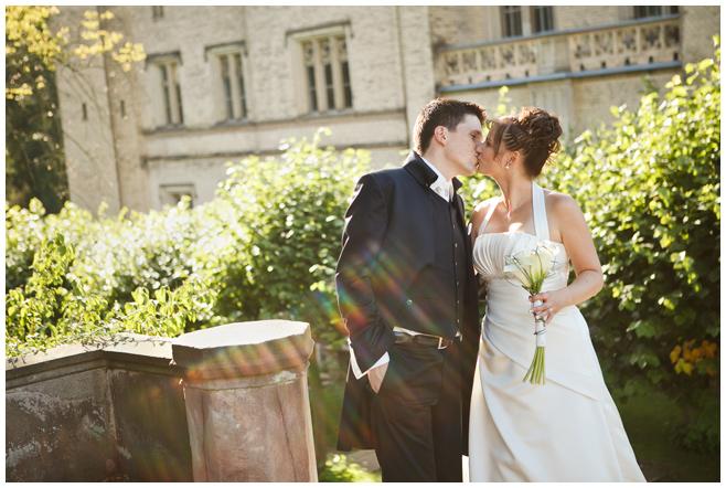 Hochzeitsfoto von Brautpaar in Potsdam © Hochzeitsfotograf Berlin hochzeitslicht