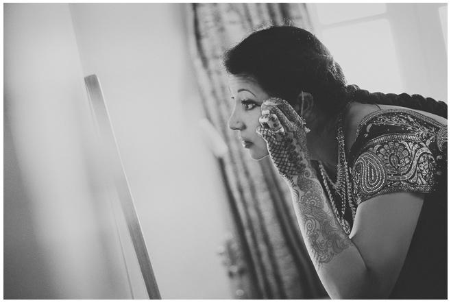 Vorbereitungen der Braut auf Hochzeit in Indien © Hochzeitsfotograf Berlin hochzeitslicht