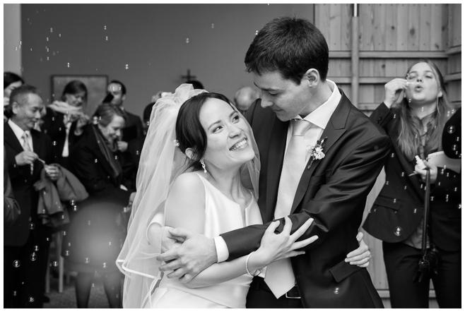 Reportagefoto des Brautpaares © Hochzeitsfotograf Berlin hochzeitslicht
