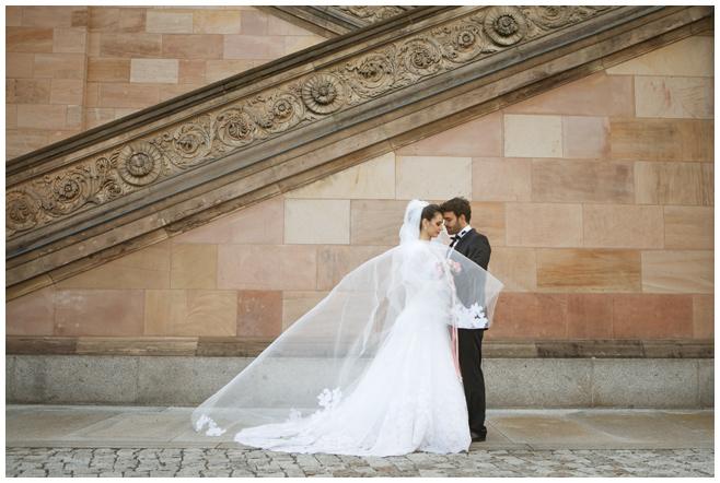 Hochzeitsfotografie von Brautpaar in Berlin © Hochzeitsfotograf Berlin hochzeitslicht