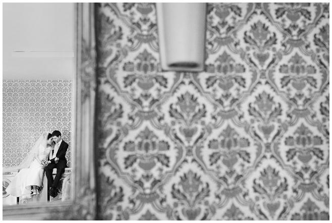 Brautpaar bei Hochzeitsreportage im Karlsson Penthouse Berlin © Hochzeitsfotograf Berlin hochzeitslicht