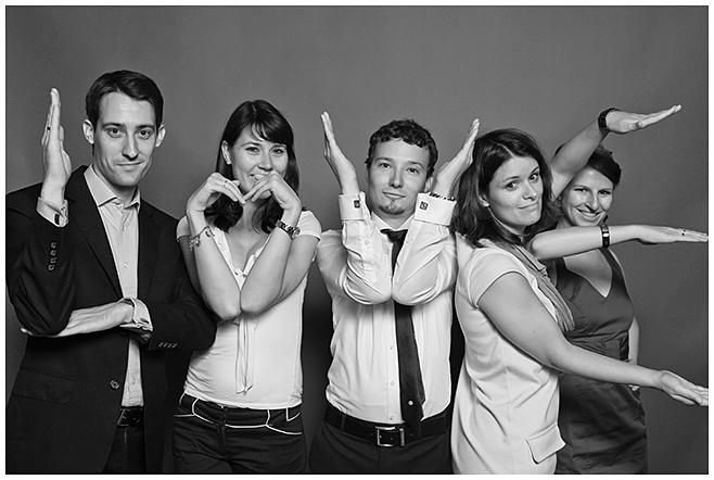 Gruppenfoto im Photobooth © Hochzeitsfotograf Berlin hochzeitslicht