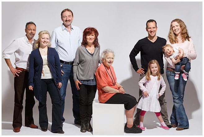 Professionelle Familienfotografie im Fotostudio, Berlin © Berliner Fotostudio LUMENTIS