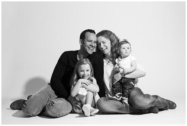 Familienfoto von Familienfotograf in Berlin © Berliner Fotostudio LUMENTIS
