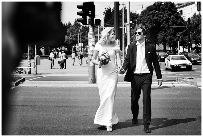 Foto des Brautpaares bei Hochzeit in Berlin-Friedrichshain © Hochzeitsfotograf Berlin hochzeitslicht
