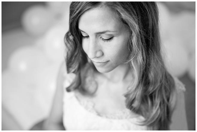 Portraitfoto der Braut von Hochzeitsfotograf auf Schloss Liebenberg © Hochzeitsfotograf Berlin hochzeitslicht