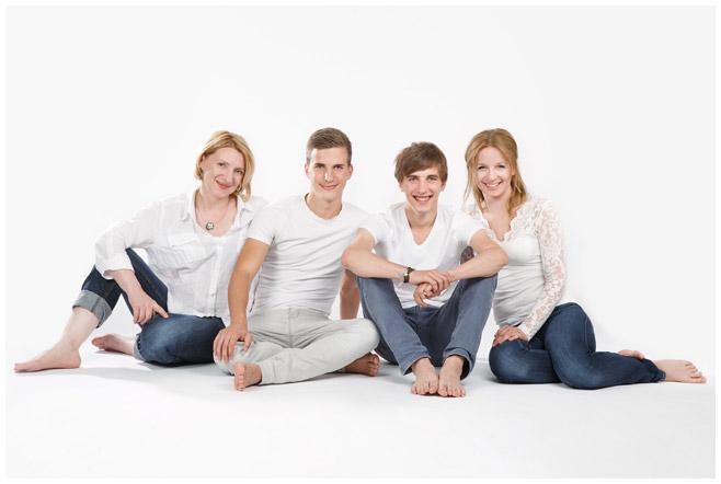 Familienfotografie aufgenommen im Fotostudio Berlin © Berliner Fotoatelier LUMENTIS