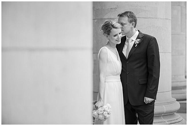 Brautpaarfoto aufgenommen bei Hochzeit in Berlin-Mitte © Hochzeitsfotograf Berlin hochzeitslicht