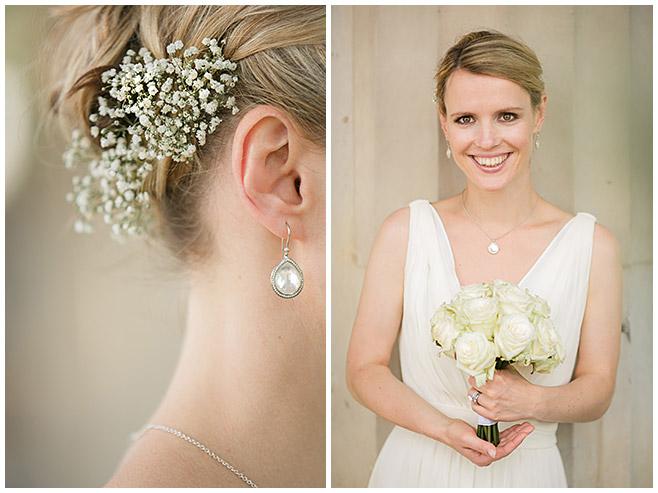 Hochzeitsfotografien der Braut mit Haarschmuck aus Schleierkraut und Brautstrauß aus cremefarbenen Rosen © Hochzeitsfotograf Berlin hochzeitslicht