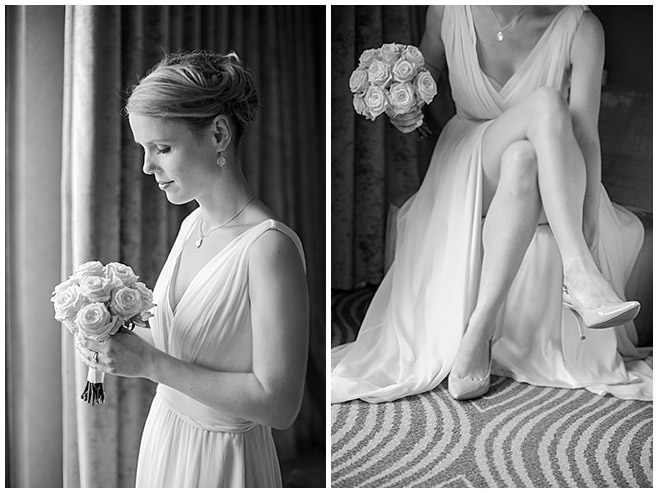 Hochzeitsfotos der Braut bei Vorbereitungen mit Brautstrauß aus cremefarbenen Rosen © Hochzeitsfotograf Berlin hochzeitslicht