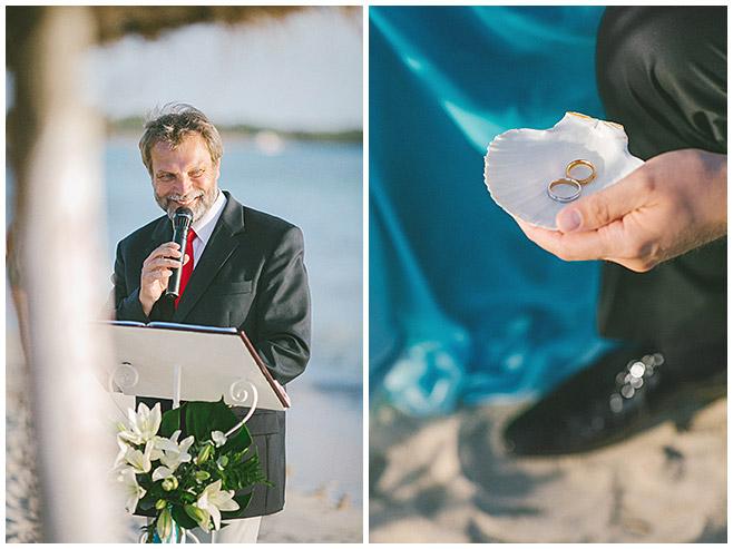 Redner für Strandhochzeit und Ringe in Muschel © Hochzeitsfotograf Berlin hochzeitslicht