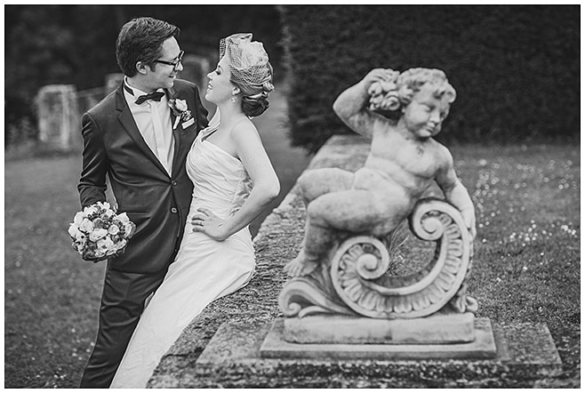 Brautpaar-Fotoshooting im Park von Schloss Herzfelde © Hochzeitsfotograf Berlin hochzeitslicht