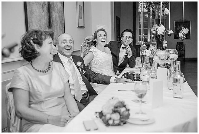 Hochzeitsfoto von Hochzeitsfest auf Schloss Herzfelde, Uckermark © Hochzeitsfotograf Berlin hochzeitslicht
