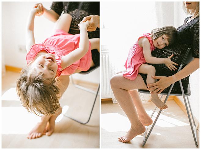 Kinderfotos von kleinem Mädchen bei Schwangerschaftsfotoshooting mit professionellem Kinderfotograf Berlin © Fotostudio Berlin LUMENTIS