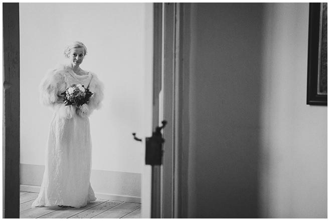 Braut bei standesamtlicher Trauung auf Schloss Caputh © Hochzeitsfotograf Berlin hochzeitslicht